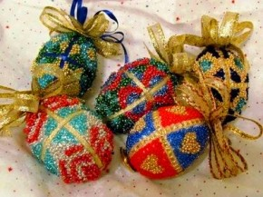 beaded egg ornaments tutorial