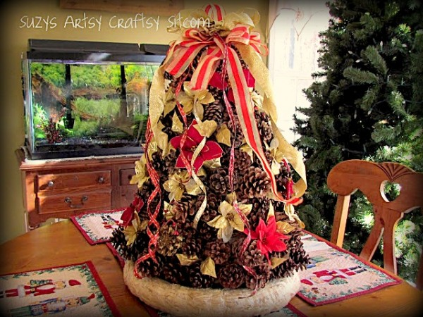 pinecone christmas tree centerpiece