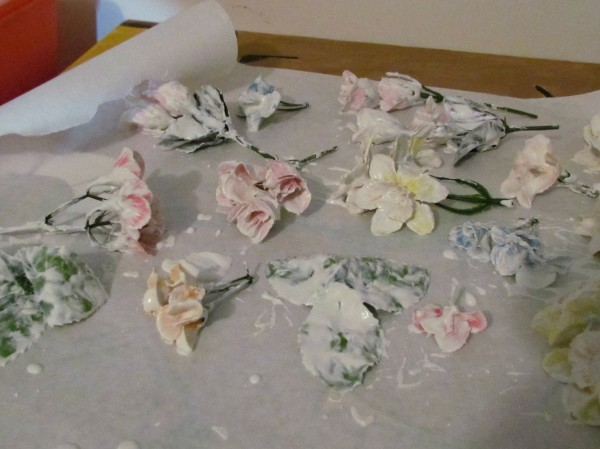 plaster flowers 600x449 {Guest Post} Faux Porcelain Flower Frame