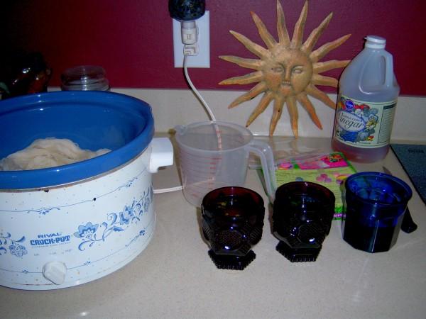 hand dye yarn with Easter egg dye