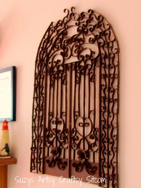 faux iron gate made from toilet paper tubes / suzys artsy craftsy sitcom