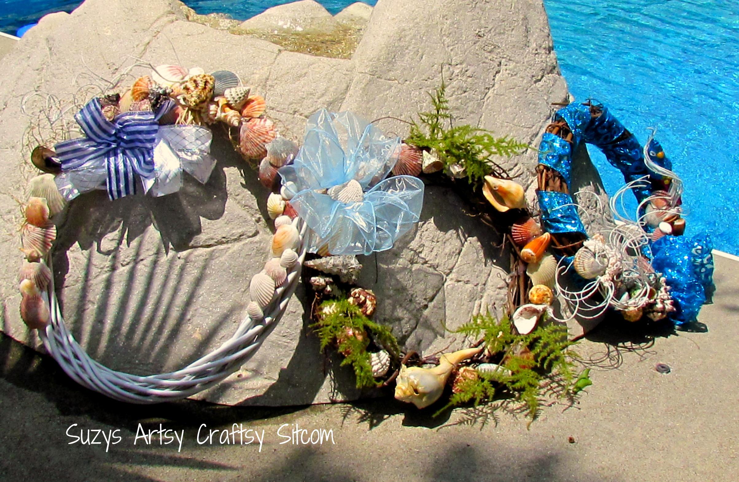 Feature friday summer seashell wreaths for Seashell wreath craft ideas