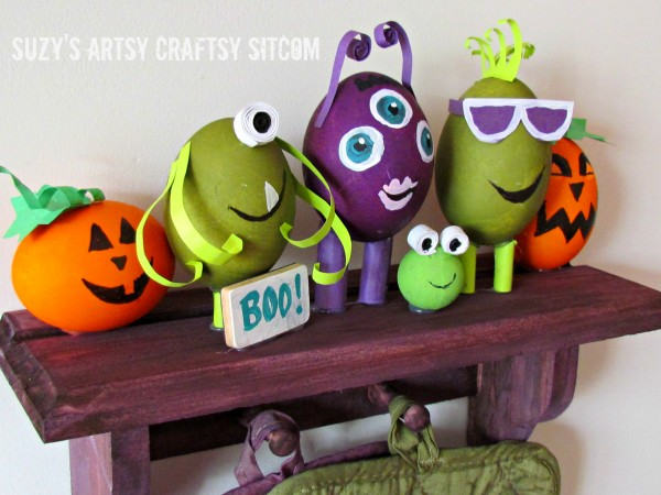 Monster shelf and potholders #HalloweenRIT #Halloween