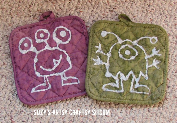 Monster Shelf and Potholders/Suzys Artsy Craftsy Sitcom #HalloweenRIT #Halloween @Ritdye
