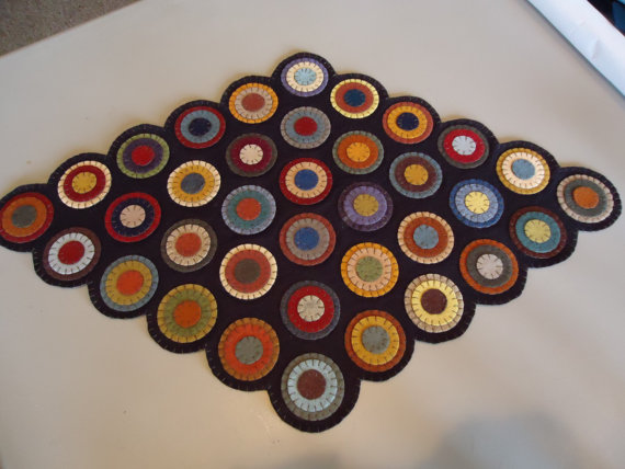 Pre-cut Penny Rug Kit by Primitive Stitches/Suzys Artsy Craftsy Sitcom #Etsy