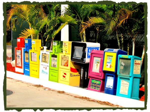Colors - Newspaper Machines /Suzys Artsy Craftys Sitcom