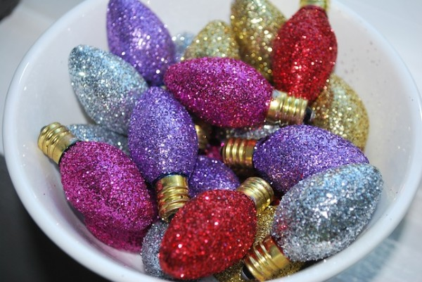 Glittered Vintage Bulbs by The Moody Fashionista