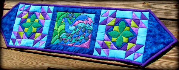 Peacock Tablerunner #quilting #pattern #batik