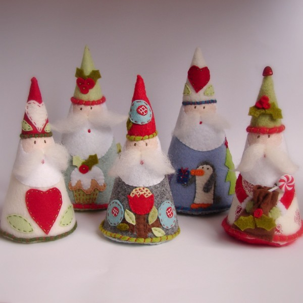 Felt Santas by Roxy Creations #Christmas