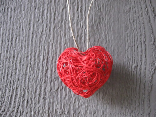 heart string art necklace by craft klatch