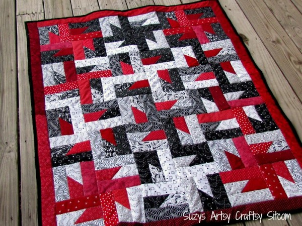quilt pattern windmills at night