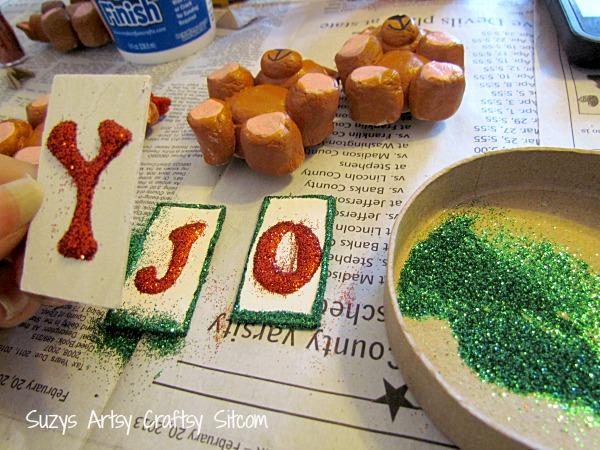 diy christmas bear joy magnets
