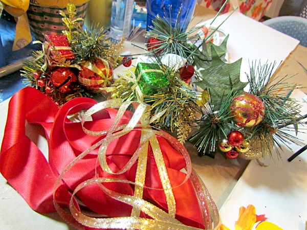 diy holiday macaroni sheep decoration