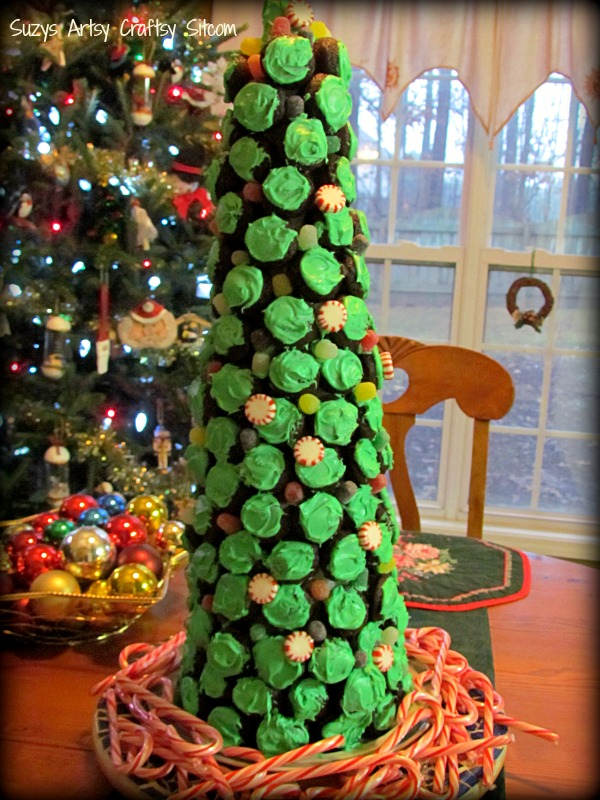 diy cupcake holiday christmas tree