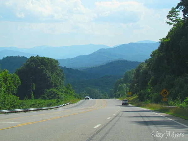 on the road tennessee mountains
