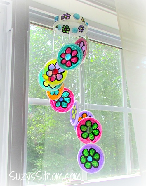 Pretty diy flower suncatcher a fun spring project for Easy recycling ideas