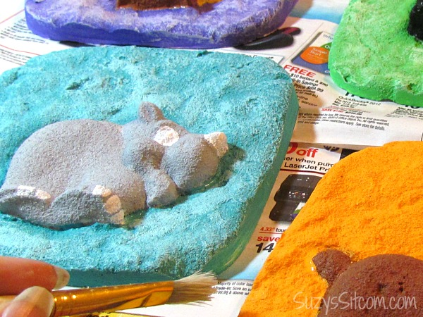 easy kids craft casting with sand
