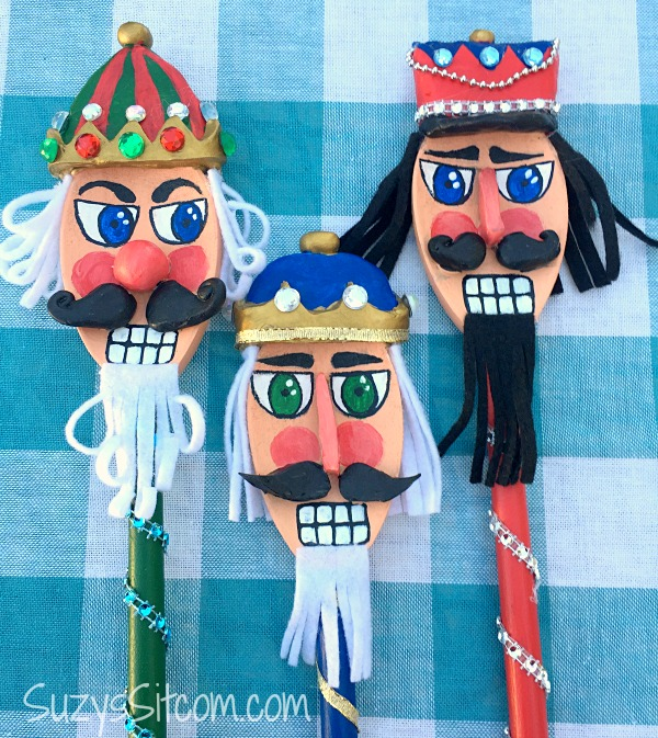 jar-o-nutcracker-spoons14